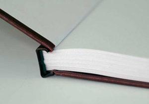 Пружина пластик и металл - от 50 Р (за 100 л) Твёрдый переплет - 350 Р Твёрдый переплет - до 150 листов, пластиковая пружина - до 350 листов, металлическая пружина - до 120 листов.